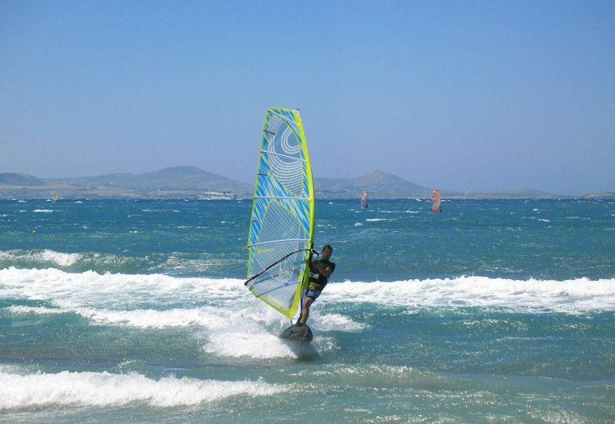 Wind surfing στη Νάξο