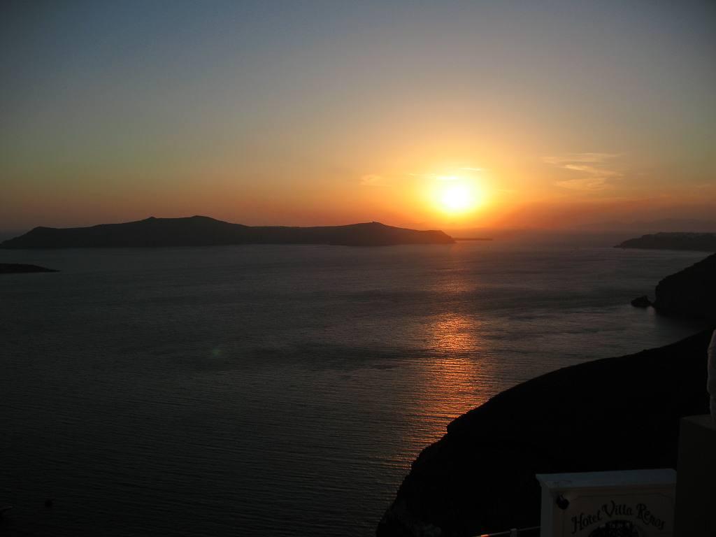 Ηλιοβασίλεμα στη Σαντορίνη