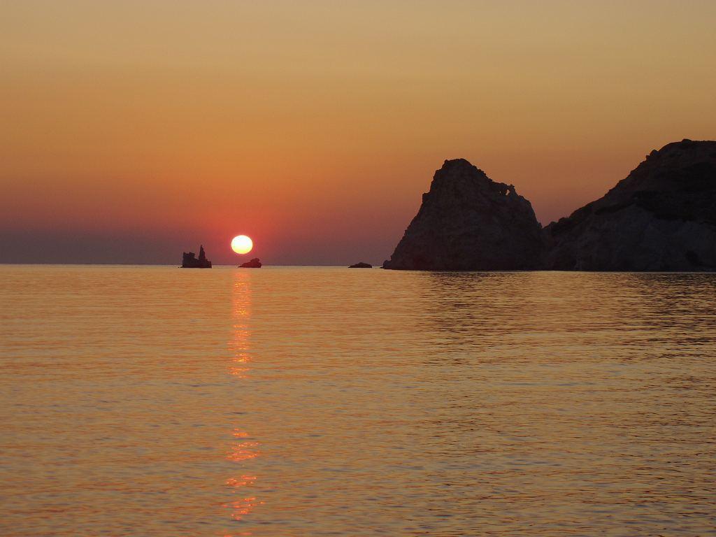 Ηλιοβασίλεμα στη Κίμωλο